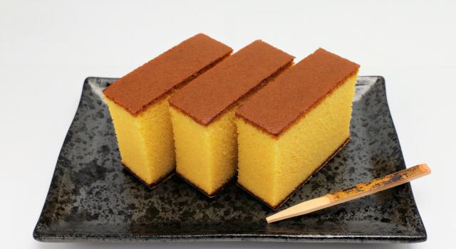 カステラの紙は食べても大丈夫?世界一美味しいアノ紙の理由と食べて安心なものなのか紹介!
